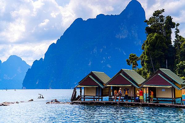 Kayaking on Cheo Lan Lake