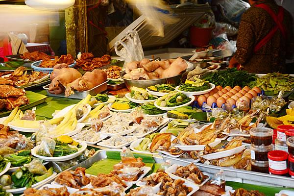 Lanna style food in market