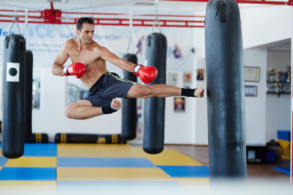 Muay Thai (kick boxing)