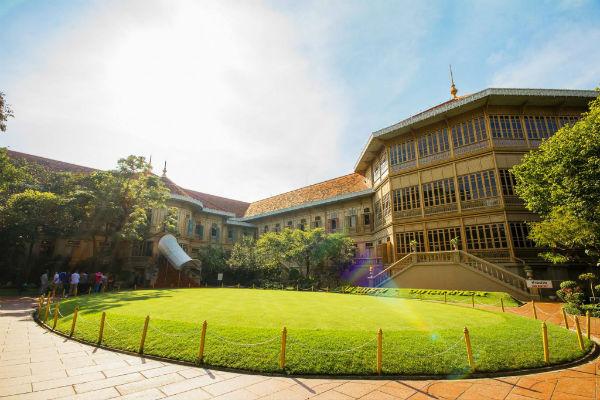 vimanmek mansion palace bangkok
